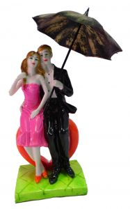 """Paras Magic Couple Sitting On Heart With Umbrella Pink And Black(4X3X9"""")"""